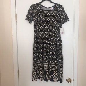 M LuLaRoe Amelia Dress G04 1117